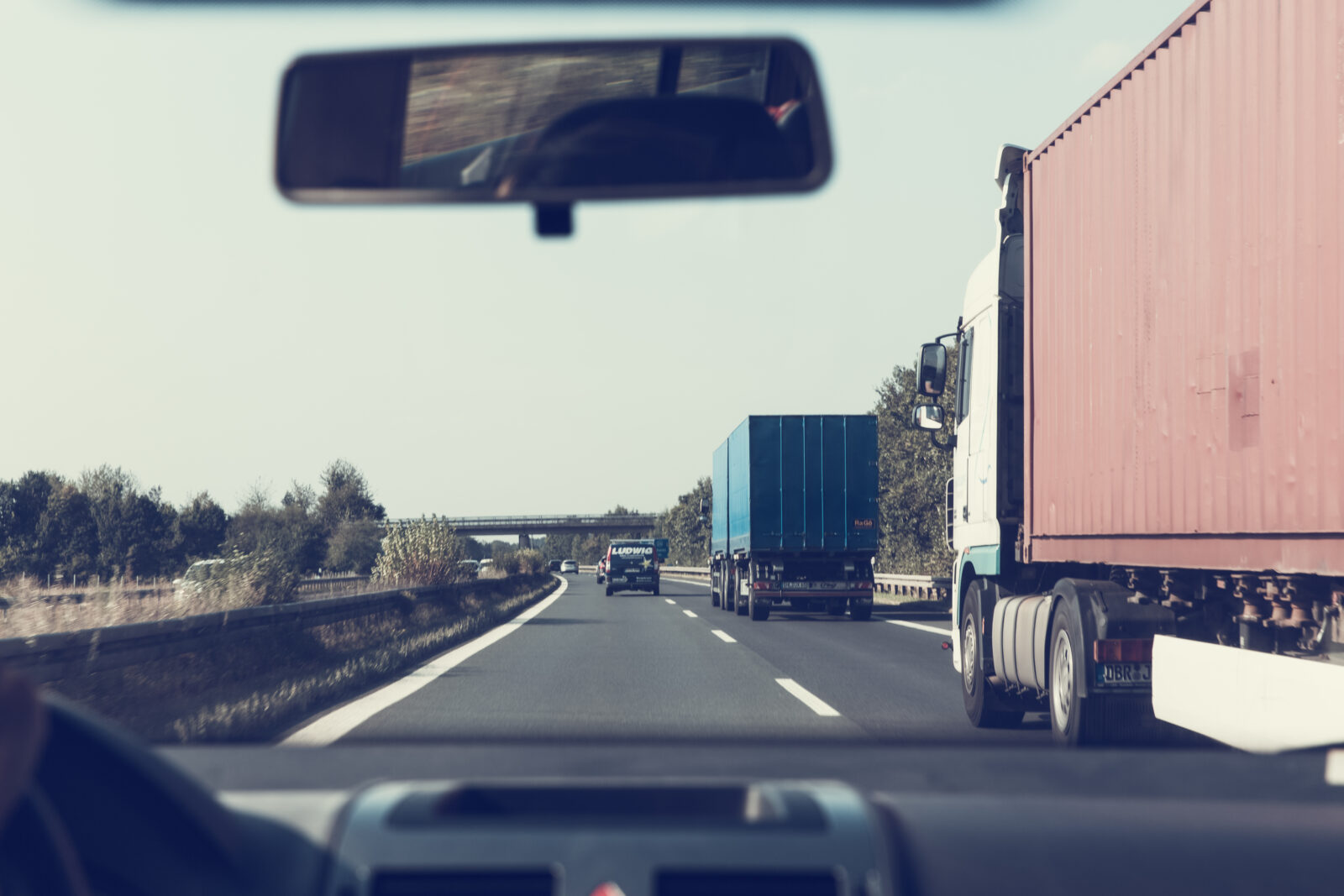 Can You Hold a Trucking Company Responsible for your Truck Accident Injuries?